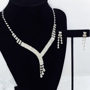 Simple Elegant Rhinestone Necklace Set